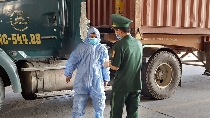 Covid-19: Kết quả xét nghiệm 3 người nhập cảnh trái phép từ Campuchia từng đến TP HCM - Ảnh 1.