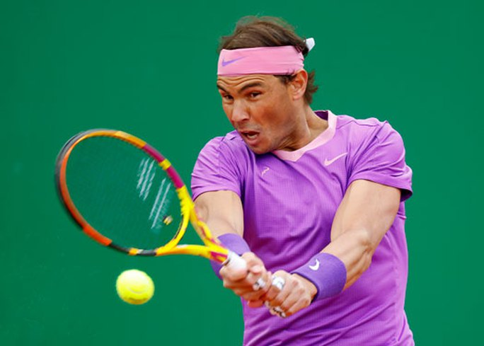 Rafael Nadal vất vả ở sân đấu sở trường - Ảnh 1.
