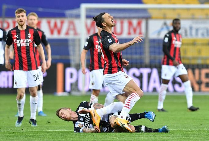 Ibrahimovic gia hạn hợp đồng, mức lương 7,2 triệu USD/năm, với AC Milan - Ảnh 2.