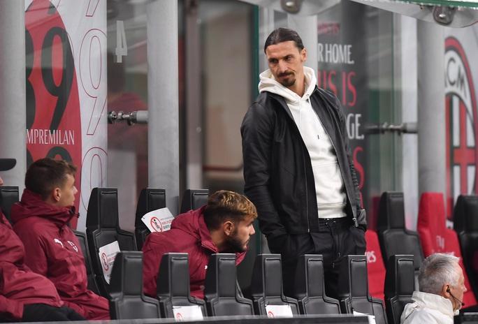 Ibrahimovic gia hạn hợp đồng, mức lương 7,2 triệu USD/năm, với AC Milan - Ảnh 1.