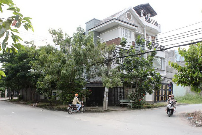 Công an TP HCM khởi tố vụ án lùm xùm tại KDC Hiệp Bình Chánh - Ảnh 1.