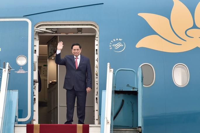 Thủ tướng Phạm Minh Chính lên đường tham dự Hội nghị các Nhà Lãnh đạo ASEAN - Ảnh 1.