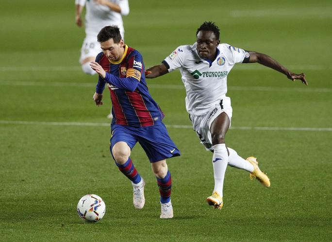 Messi nhảy múa ghi bàn trước Getafe, Barcelona trở lại Top 3 La Liga - Ảnh 2.