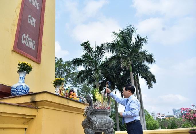 Dâng hương tưởng niệm nguyên Phó Chủ tịch Hội đồng Bộ trưởng Nguyễn Cơ Thạch - Ảnh 2.