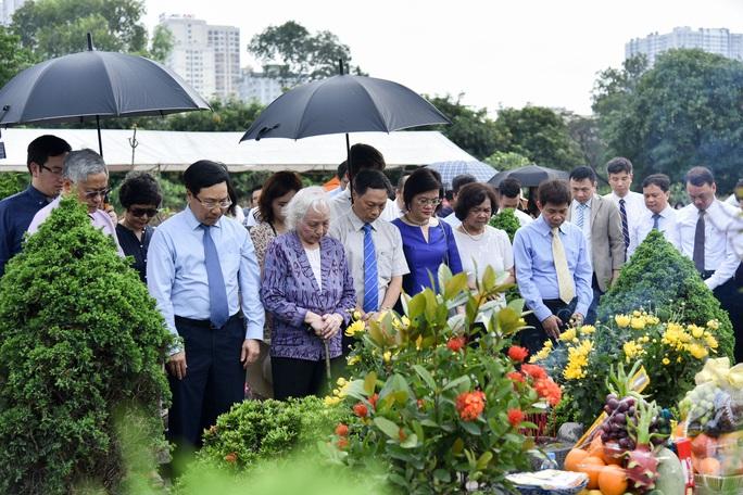 Dâng hương tưởng niệm nguyên Phó Chủ tịch Hội đồng Bộ trưởng Nguyễn Cơ Thạch - Ảnh 1.