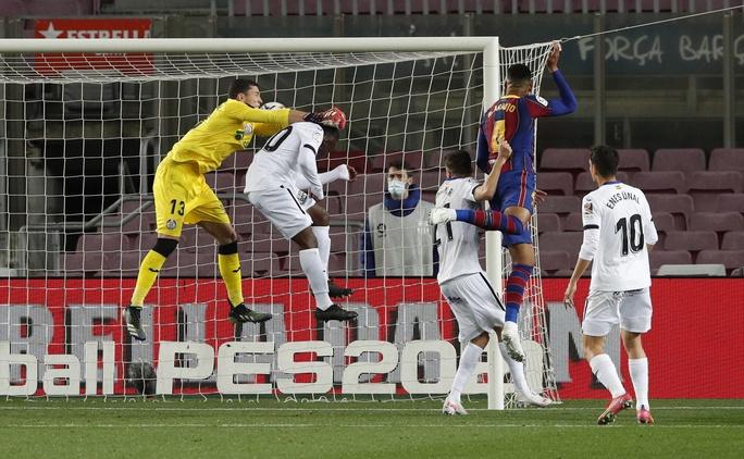 Messi nhảy múa ghi bàn trước Getafe, Barcelona trở lại Top 3 La Liga - Ảnh 5.