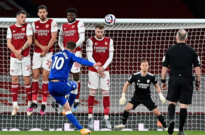 Người nhện Leno thành tội đồ, Arsenal vỡ mộng cúp châu Âu - Ảnh 2.