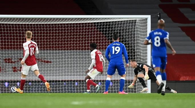 Người nhện Leno thành tội đồ, Arsenal vỡ mộng cúp châu Âu - Ảnh 6.