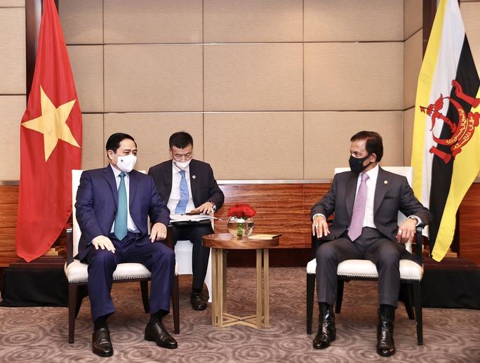 Thủ tướng Phạm Minh Chính hội kiến Quốc vương Brunei - Ảnh 1.