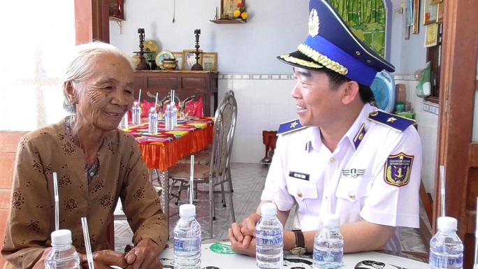 Cảnh sát biển tổ chức nhiều hoạt động ở Tiền Giang - Ảnh 1.