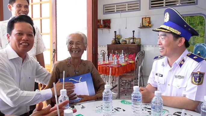 Cảnh sát biển tổ chức nhiều hoạt động ở Tiền Giang - Ảnh 2.