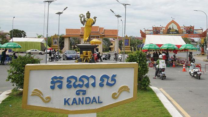 Ấn Độ, Campuchia lại ghi nhận số ca mắc Covid-19 khủng - Ảnh 2.