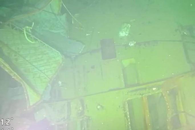 Hình ảnh tàu ngầm Indonesia nứt làm 3 phần dưới đáy biển - Ảnh 2.