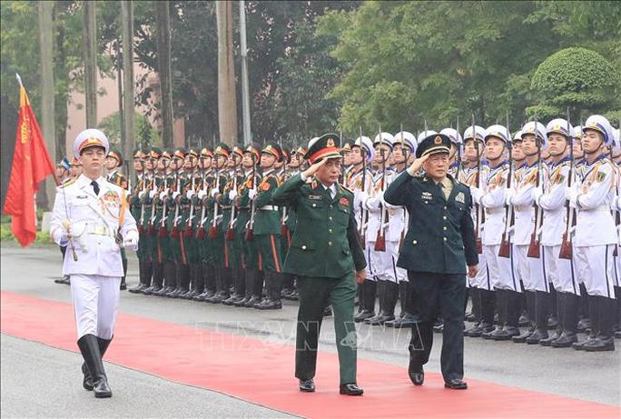 Bộ trưởng Phan Văn Giang đón Bộ trưởng Quốc phòng Trung Quốc thăm Việt Nam - Ảnh 1.