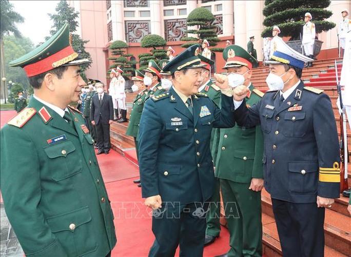 Bộ trưởng Phan Văn Giang đón Bộ trưởng Quốc phòng Trung Quốc thăm Việt Nam - Ảnh 5.