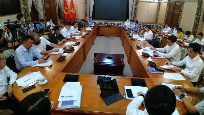 Chủ tịch UBND TP HCM: TP sẽ không bắn pháo hoa dịp lễ 30-4 - Ảnh 1.