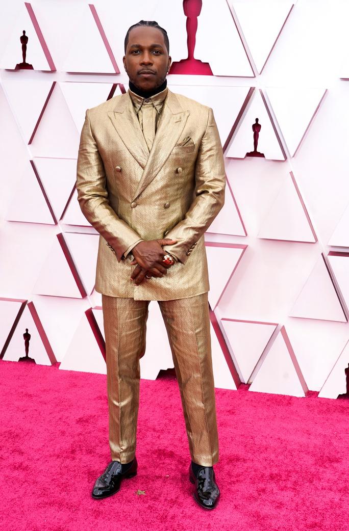 Những trang phục độc lạ tại Oscar 2021 - Ảnh 9.