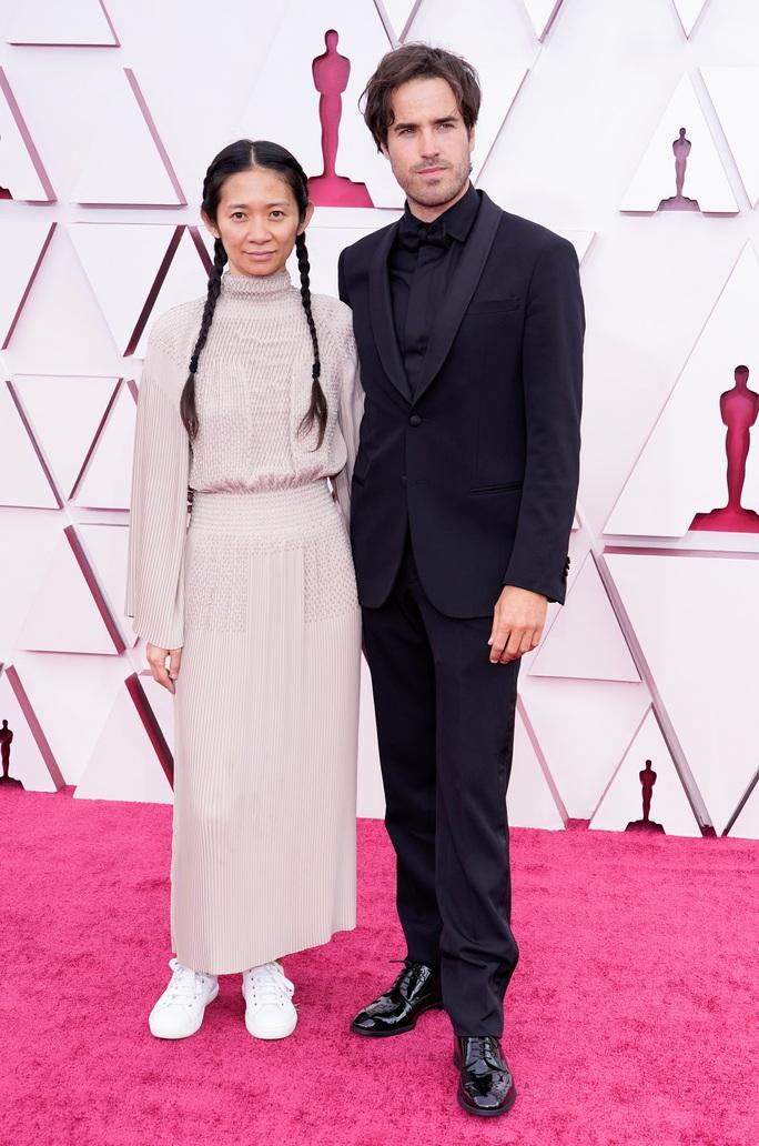 """Oscar 2021: Brad Pitt bị trêu chọc, Daniel Kaluuya khiến gia đình """"muối mặt"""" - Ảnh 6."""