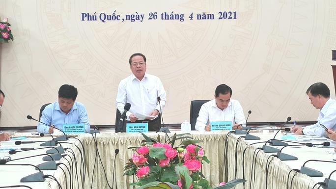 Phú Quốc lập 3 vòng lá chắn ngăn nhập cảnh trái phép từ Campuchia - Ảnh 2.