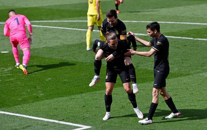 Antoine Griezmann chói sáng, Barcelona sắp chạm tay đến ngôi vô địch La Liga - Ảnh 4.