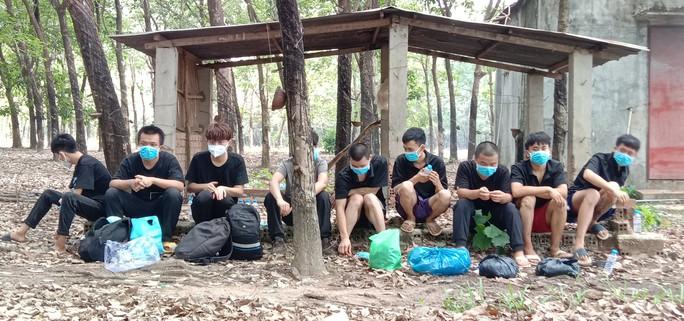 Bình Phước: Bắt giữ 9 người Trung Quốc nhập cảnh trái phép - Ảnh 1.