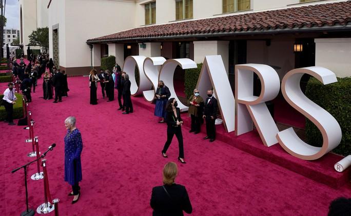 """Oscar 2021 bị chê """"vô hồn"""", tẻ nhạt - Ảnh 1."""