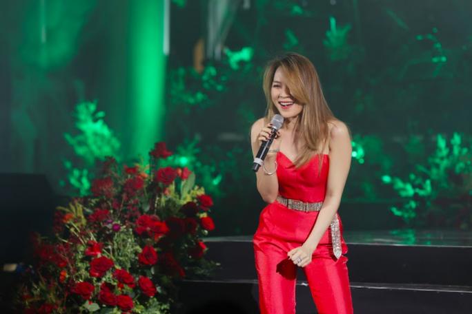 Mỹ Tâm hoãn liveshow ngày 1-5 tại Hà Nội vì dịch Covid-19 - Ảnh 1.