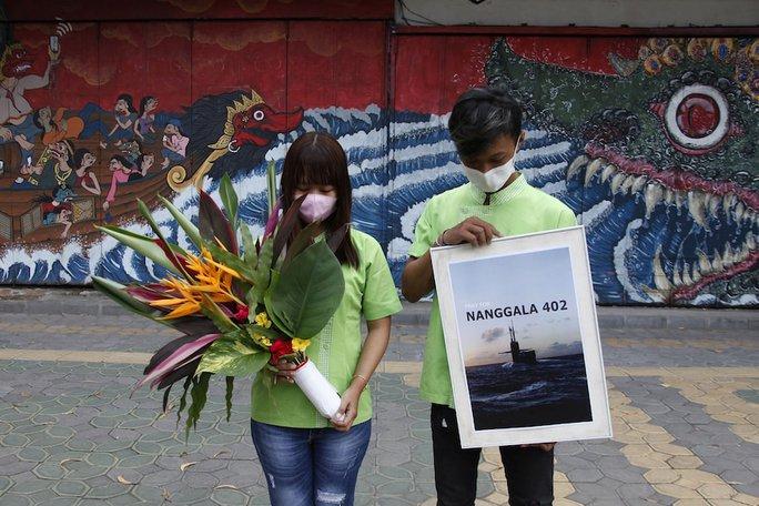 Indonesia công bố đoạn video đau lòng, trục vớt thi thể nạn nhân từ biển sâu - Ảnh 4.