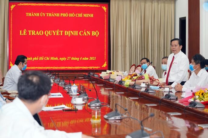 Thành ủy TP HCM trao quyết định nhân sự cho Báo Người Lao Động, Báo Phụ Nữ - Ảnh 4.
