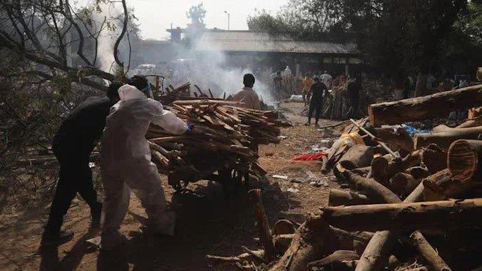Thủ đô Ấn Độ hết chỗ hỏa táng, phải trưng dụng công viên, bãi đậu xe - Ảnh 2.