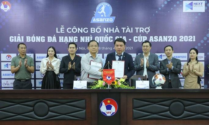 Asanzo của ông Phạm Văn Tam tài trợ chính Giải bóng đá hạng Nhì Quốc gia 2021 - Ảnh 2.