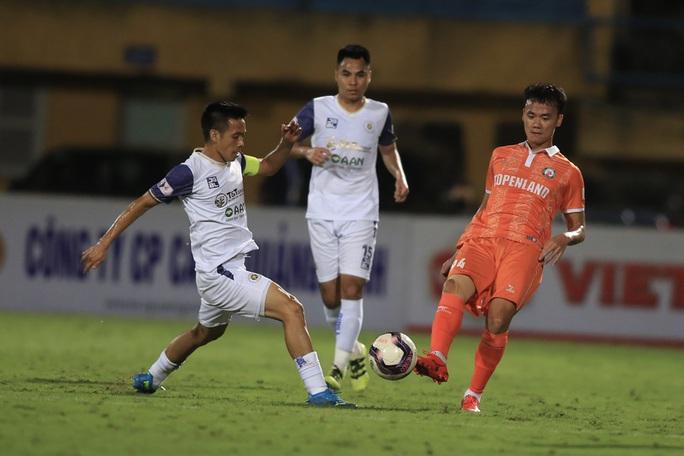 Hà Nội FC thất bại trước T.Bình Định ngay trên sân nhà Hàng Đẫy - Ảnh 4.