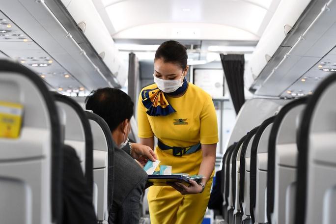 Hướng dẫn viên trên tàu bay - Trải nghiệm tiên phong mới của Vietravel Airlines - Ảnh 3.