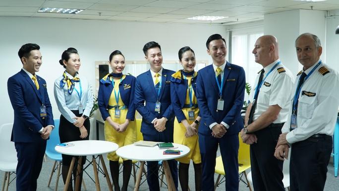 Hướng dẫn viên trên tàu bay - Trải nghiệm tiên phong mới của Vietravel Airlines - Ảnh 4.