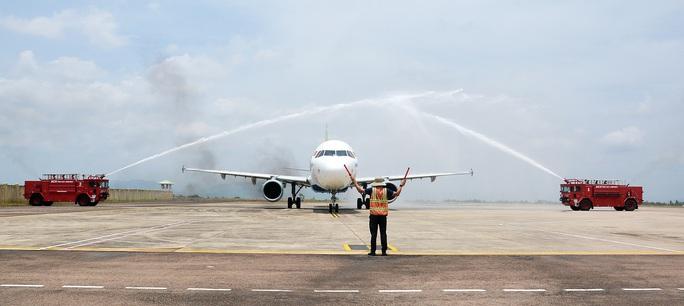 """Các hãng hàng không """"đua"""" nhau đưa khách tới Phú Quốc - Ảnh 1."""