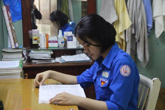 Cô học trò trường chuyên Nguyễn Bỉnh Khiêm ở Quảng Nam cần giúp đỡ - Ảnh 1.