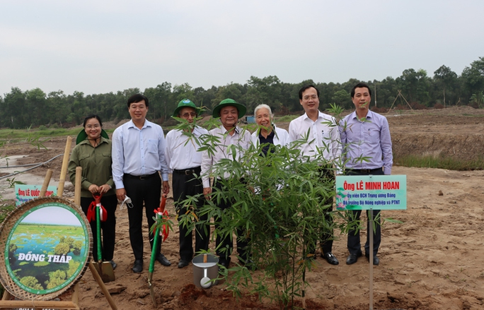 Bộ trưởng Lê Minh Hoan về Đồng Tháp phát động chương trình trồng 1 tỉ cây xanh - Ảnh 1.