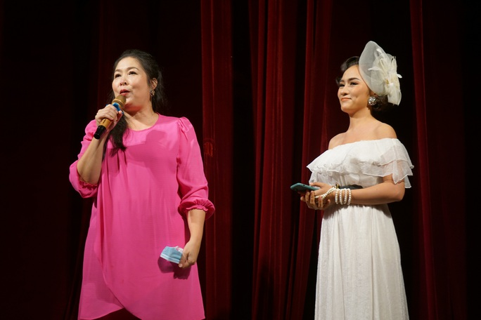 Romeo và Juliet cuốn hút khán giả, khiến Việt Anh, Hồng Vân hạnh phúc - Ảnh 2.