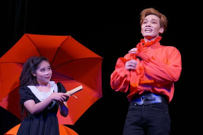 Romeo và Juliet cuốn hút khán giả, khiến Việt Anh, Hồng Vân hạnh phúc - Ảnh 3.