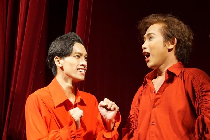 Romeo và Juliet cuốn hút khán giả, khiến Việt Anh, Hồng Vân hạnh phúc - Ảnh 5.