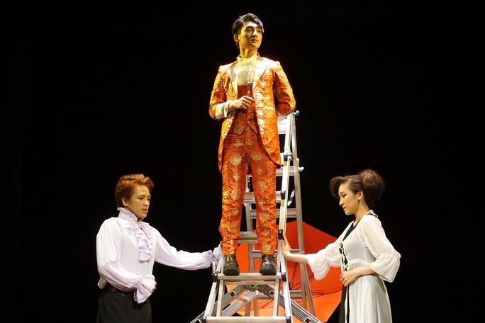 Romeo và Juliet cuốn hút khán giả, khiến Việt Anh, Hồng Vân hạnh phúc - Ảnh 9.