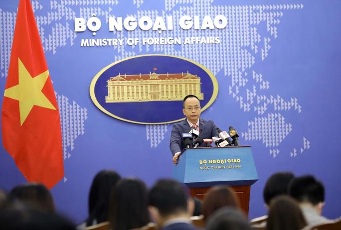 Việt Nam sẵn sàng trao đổi với Mỹ về tự do tôn giáo - Ảnh 1.