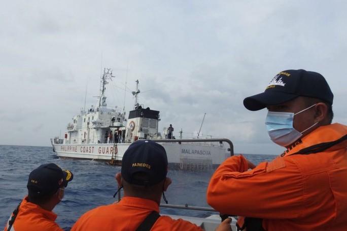 Tập trận ở biển Đông, Philippines bật lại Trung Quốc - Ảnh 1.