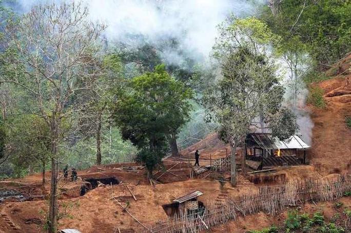 Hai căn cứ không quân Myanmar bị tấn công - Ảnh 1.