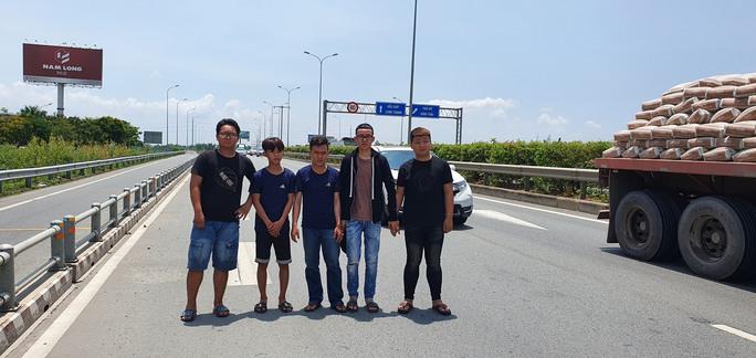 Còn nhiều người liên quan vụ đua xe trên cao tốc TP HCM-Long Thành-Dầu Giây  - Ảnh 2.