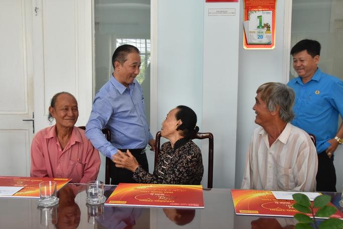 Mai Vàng nhân ái hỗ trợ 3 nghệ sĩ ở Bến Tre - Ảnh 8.