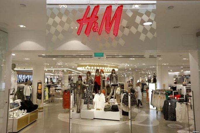 Cộng đồng mạng Việt Nam kêu gọi tẩy chay H&M vì bản đồ có đường lưỡi bò - Ảnh 2.