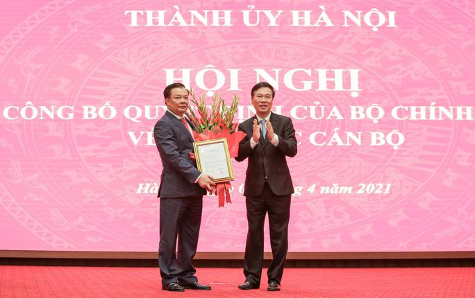 Công bố quyết định của Bộ Chính trị phân công ông Đinh Tiến Dũng làm Bí thư Thành ủy Hà Nội - Ảnh 10.