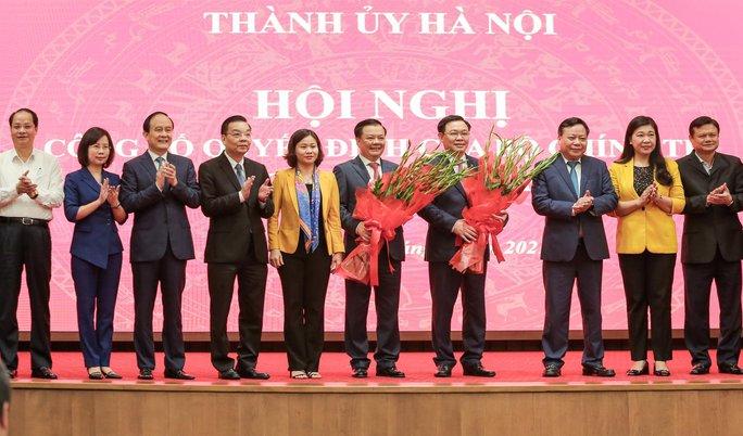 Công bố quyết định của Bộ Chính trị phân công ông Đinh Tiến Dũng làm Bí thư Thành ủy Hà Nội - Ảnh 15.