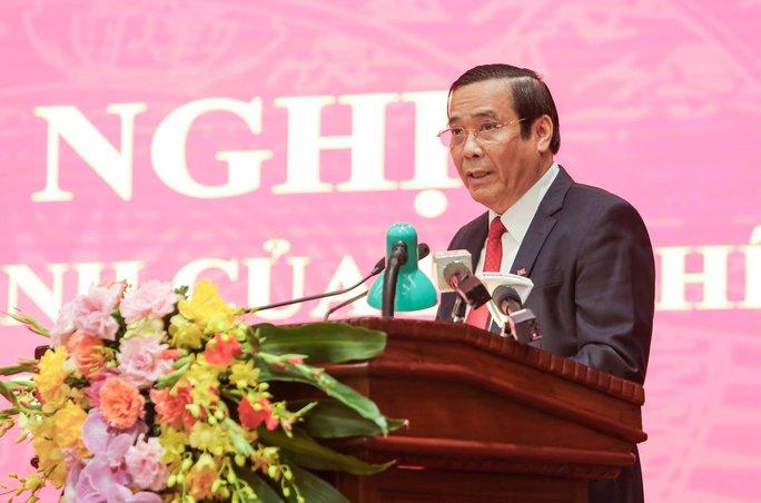 Công bố quyết định của Bộ Chính trị phân công ông Đinh Tiến Dũng làm Bí thư Thành ủy Hà Nội - Ảnh 6.
